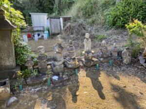 宇佐美一族の墓