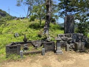 北条宗時の墓